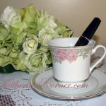 mascara in teacup