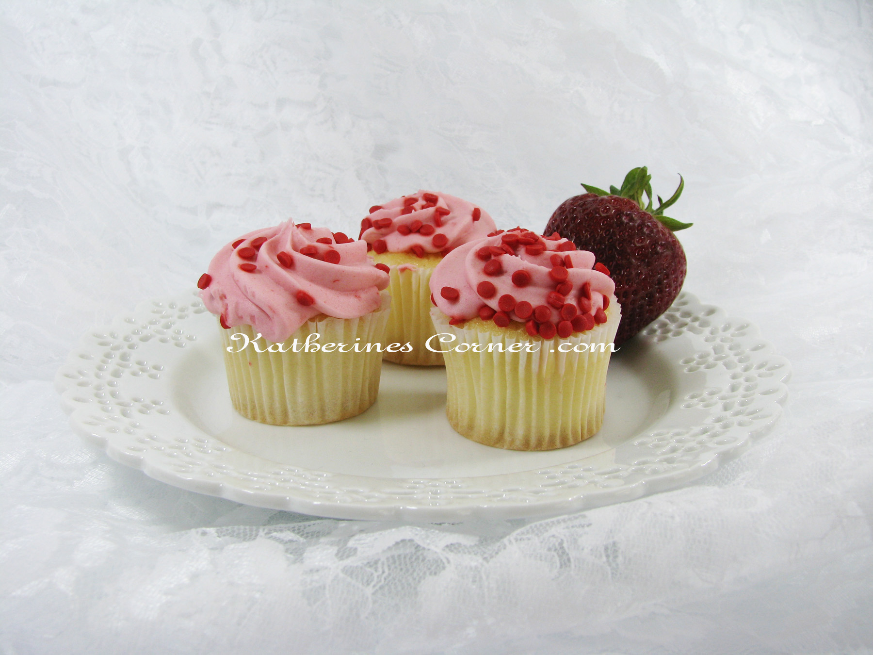kcb wedding cakes wordless wednesday strawberry cakes katherines corner 16624