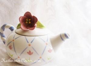 tulip teapot 1 KCB