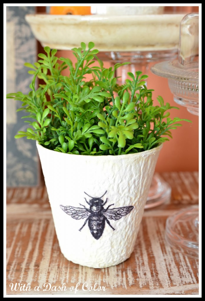 bee planter pot