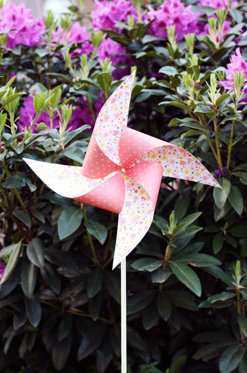 Giant Paper Pinwheels DIY