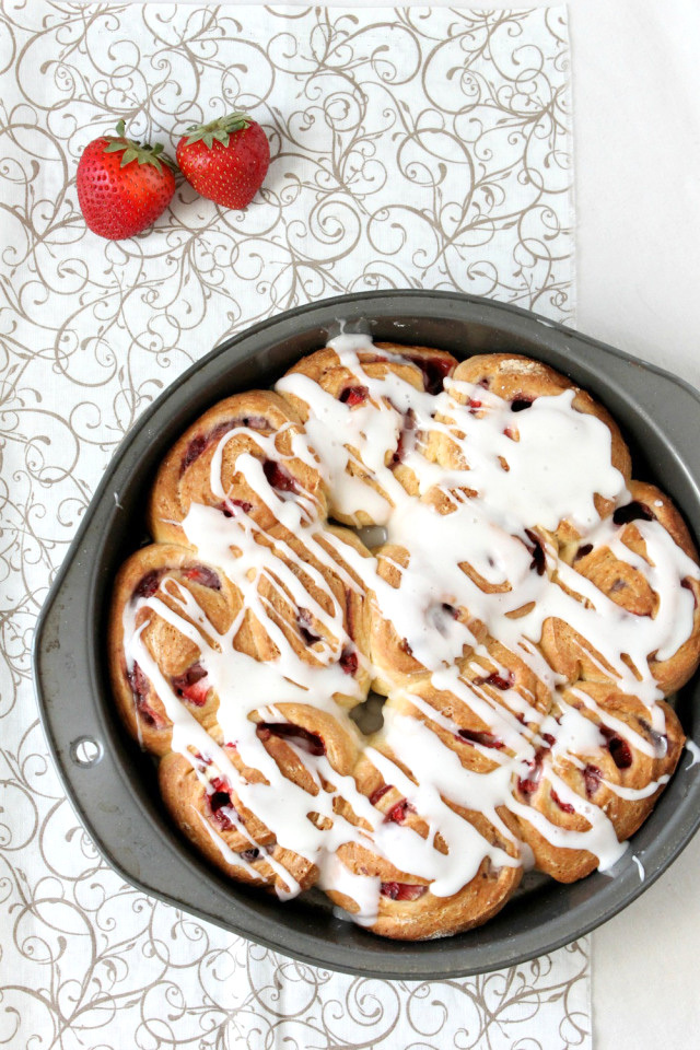 mini strawberry sweet rolls