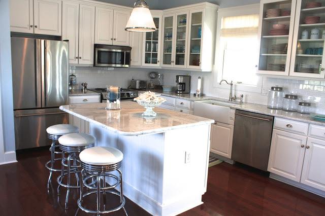 white on white cottage kitchen