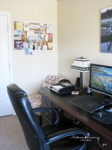 left desk 1