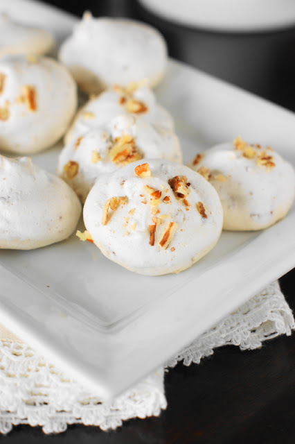 pecan-meringue-kiss-cookies