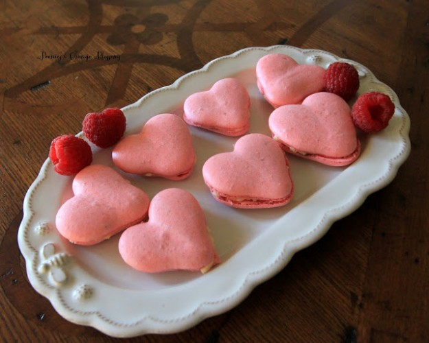 valentine heart macarons