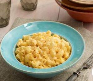 trisha yearwood crock-pot mac and cheese