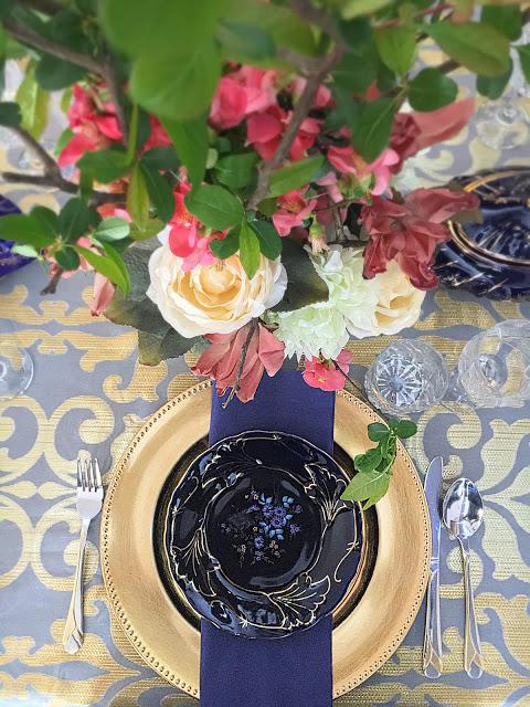 cobalt blue tablescape