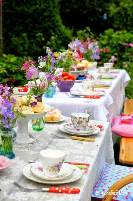 8 summer tablescapes to inspire your tablescape challenge katherines corner - Backyard patio design ideas to accompany your tea time ...