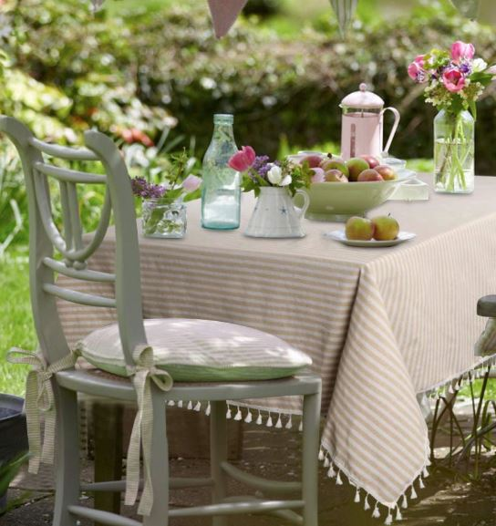 tassel-stripe-tablecloth